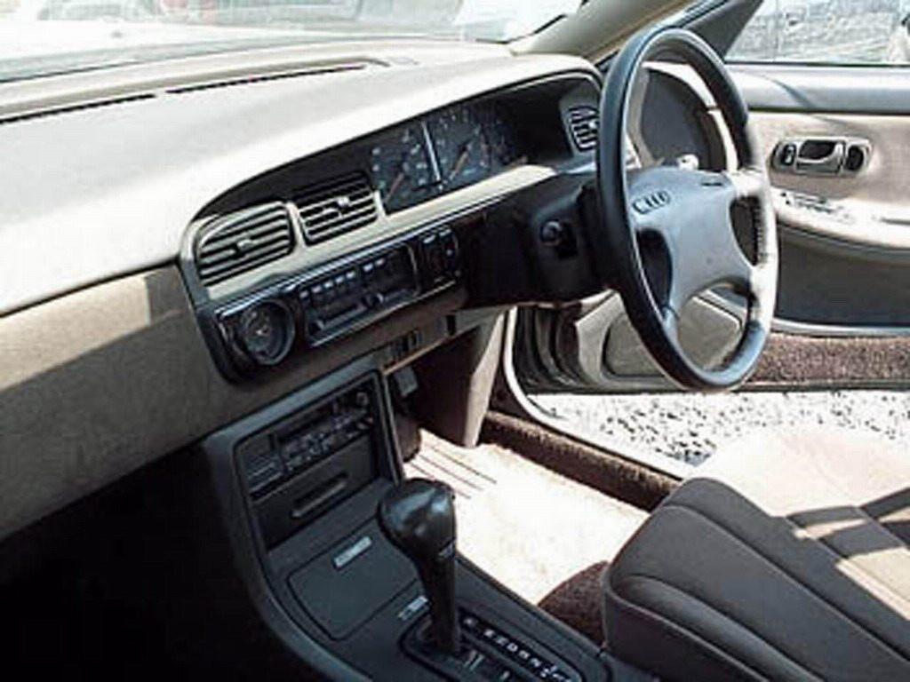 Фотогалерея Nissan Laurel C33.