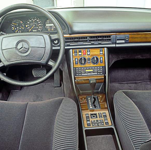 2746246251 likewise Great Automotive Failures Mercedes W168 A Class Elk Test furthermore Mercedes Benz E Klasse T Modell S124 1993 furthermore Mercedes Benz W210 in addition MERCEDES. on mercedes benz w124 s