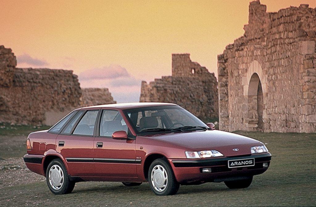 Четырехдверный седан Daewoo Espero начал выпускаться в 1995 г. Его стоимость на настоящий момент примерно такая же
