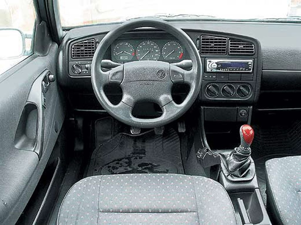 Watch further Dwindling Supply Vws 1991 Passat Gl And 1997 Passat Glx Vr6 Variant further Eurp 1205 1991 Vw Jetta Gl besides Watch likewise Img8423. on vw gti vr6 interior