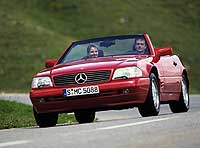 Родстер Mercedes-Benz SL500 после рестайлинга (1995 г.) ©DaimlerChrysler